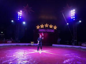 The juggler at Zippos Circus